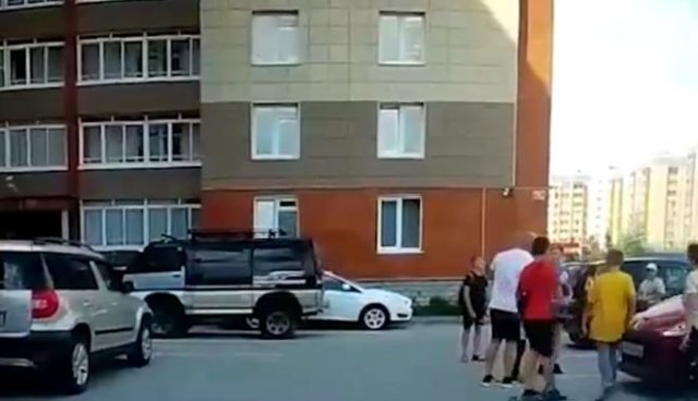 В Новосибирской области мужчина нокаутировал 10-летнего мальчика, вступившись за сына