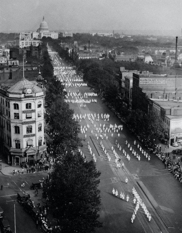 Парад ненависти: шествие 50 000 куклуксклановцев в Вашингтоне 13 сентября 1926 года