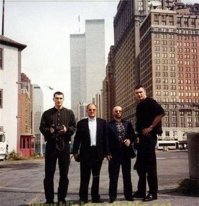 Украинские криминальные авторитеты со своими телохранителями - братьями Кличко. Нью-Йорк, 1996 год.