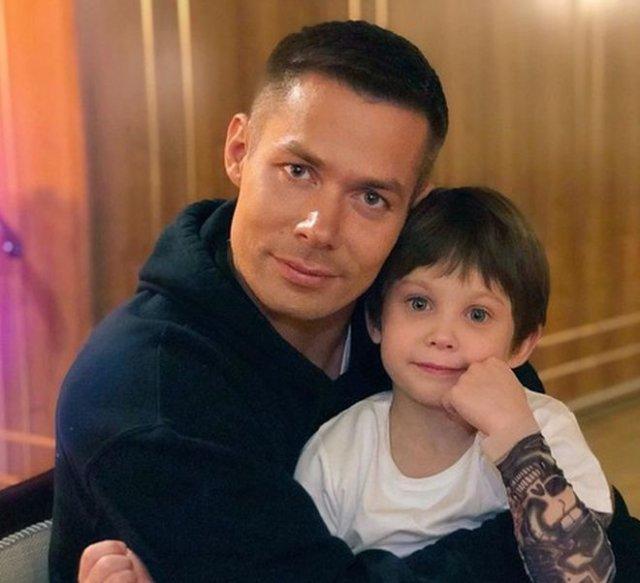 7-летнего сына Стаса Пьехи сильно избили — мальчика госпитализировали со множеством травм
