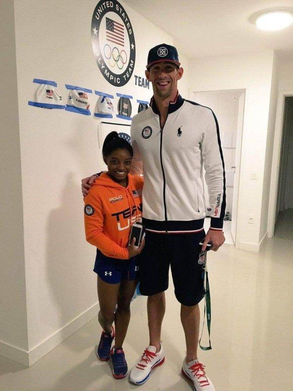 Разница в росте между гимнасткой Симоной Байлз и пловцом Майклом Фелпсом