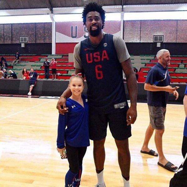 А это гимнастка Рэган Смит и баскетболист Деандре Джордан