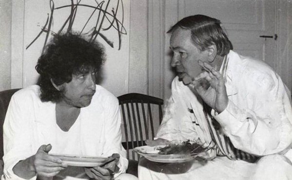 Боб Дилан и Андрей Вознесенский в Переделкино, 1985 г.