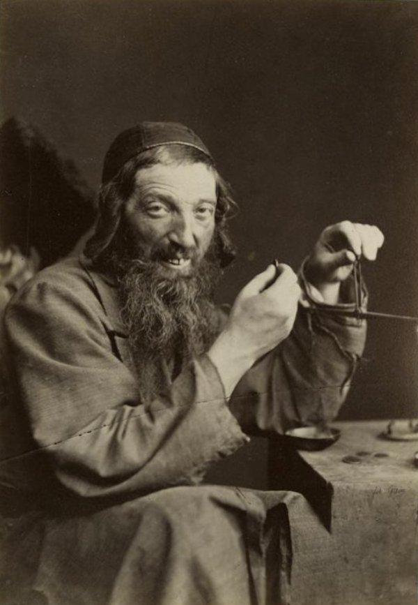 Ювелир, ростовщик. Каменец–Подольский, примерно 1870–1880–е гг.