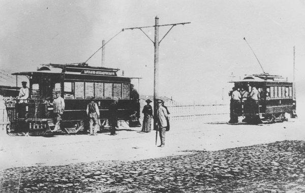 Первый в России электрический трамвай пущенный в Киеве в 1892 г.