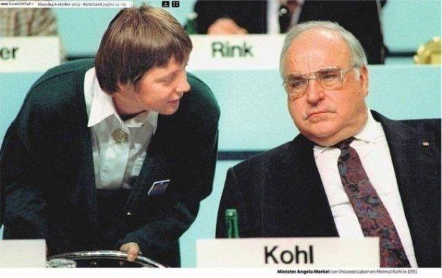 Канцлер ФРГ Гельмут Коль и Уполномоченная по делам женщин в Германии Ангела Меркель. 1991 год.