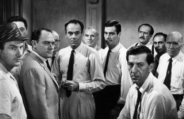 12 разгневанных мужчин (1956)