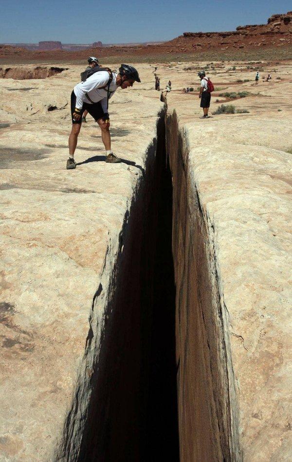 «Чёрная трещина» в национальном парке Каньонлендс, ЮТА, США