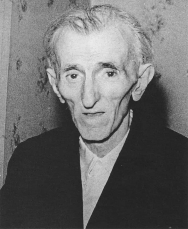 Послeднее фото великого учeного и изобретателя Николы Теслы. 1942 год.