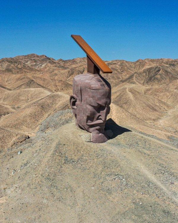 Вот что можно найти в пустыне