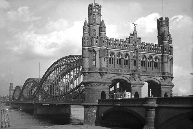 Мост через Северную Эльбу в Гамбурге, Германия