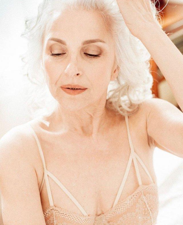 Русский Playboy опубликовал фотографии 60-летней модели Татьяны Неклюдовой
