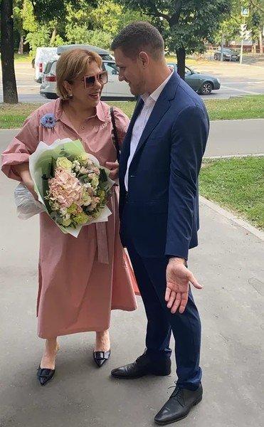"""Звезда сериала """"Реальные пацаны"""" Марина Федункив вышла замуж в третий раз. Но у нее необычный муж"""