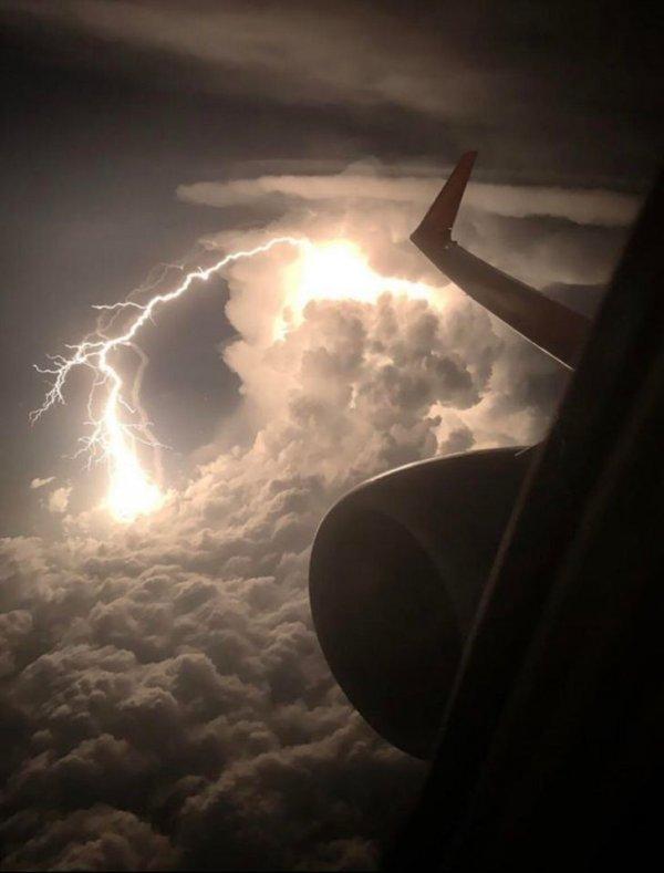 Молния с высоты птичьего полета