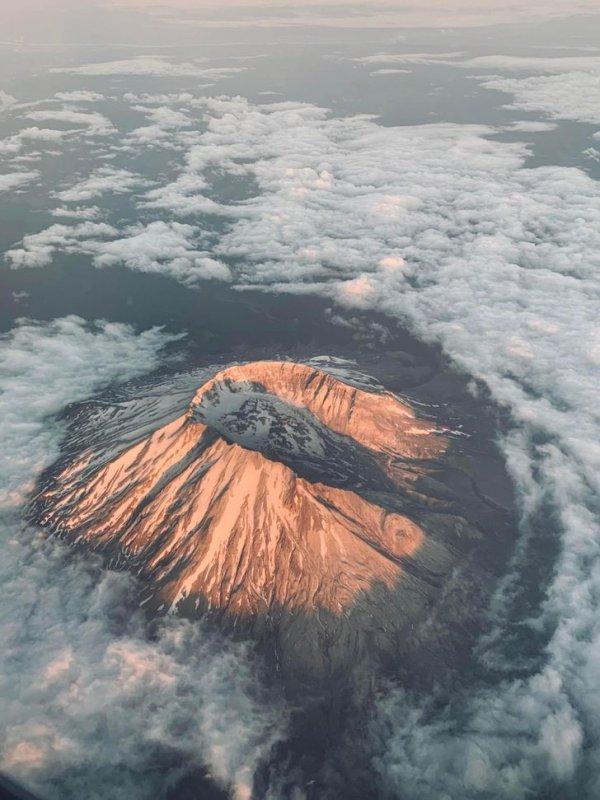 Гора Сент-Хеленс с самолета