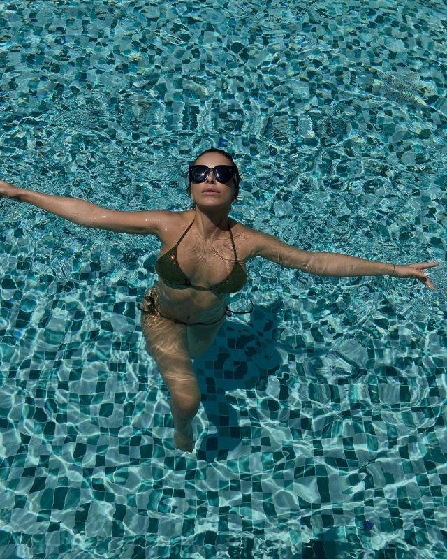 Ани Лорак показала, как отдыхает летом 2021