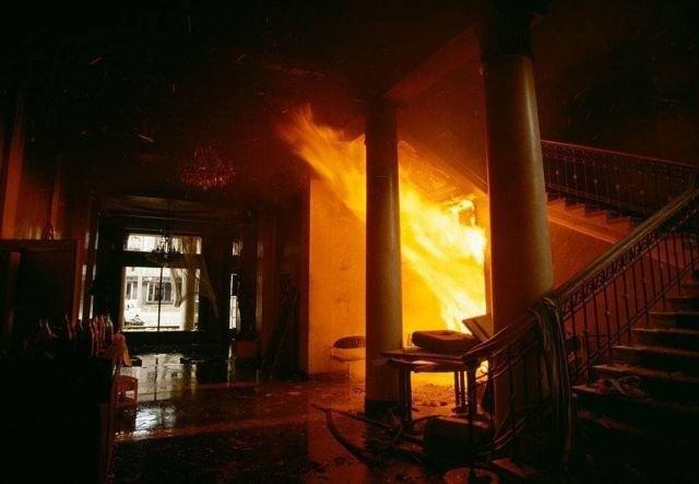 Пожар в Тбилисском отеле во время гражданской войны в Грузии, 29 декабря 1991.
