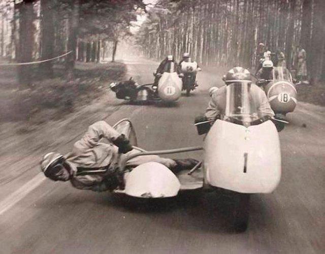 Мотогонщики.Италия. 50-е