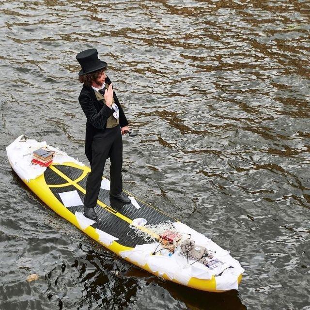 """В Санкт-Петербурге прошел 6-й фестиваль сапсёрфинга """"Фонтанка SUP"""", несмотря на коронавирус"""