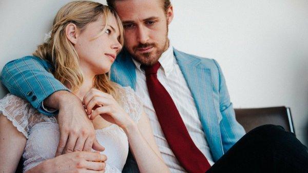 Райан Гослинг, Мишель Уильямс и Фейт Владика в течение месяца жили вместе перед съёмками фильма «Валентинка» (2010)