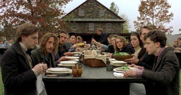 Все актёры фильма «Таинственный лес» (2004) в течение недели жили в учебном лагере, созданном в атмосфере 19 века