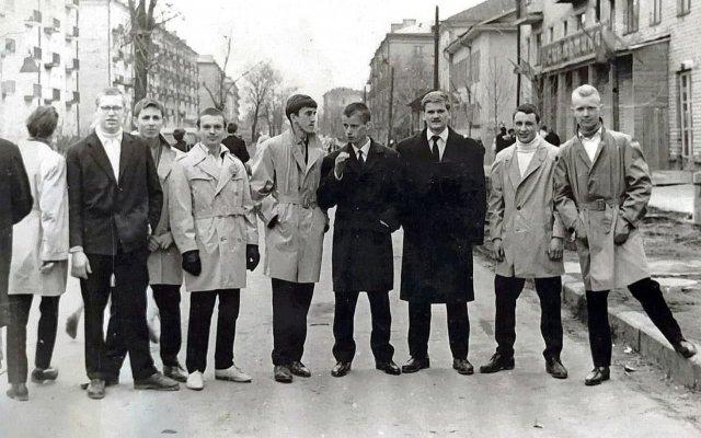 Мᴏлᴏдёжная ᴍодa, Мoсква, 1964 год