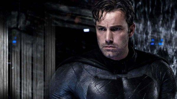 Бен Аффлек в роли Бэтмена в фильмах «Бэтмен против Супермена: На заре справедливости» (2016) и «Лига справедливости» (2017)
