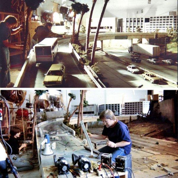 Художники работают над созданием модели города, который должен быть разрушен в фильме «Терминатор-2: Судный день»