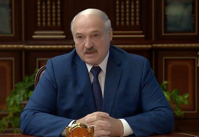Александр Лукашенко поручил закрыть границу Белоруссии