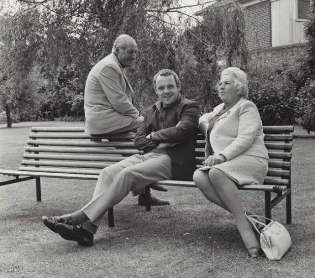 Энтони Xoпкинс с родитeлями, 1960-e