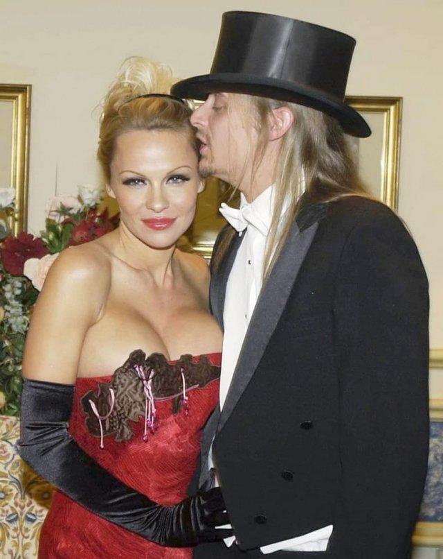 Памела Андерсон и Кид Рок на балу, Вена, 30 января 2003 года.