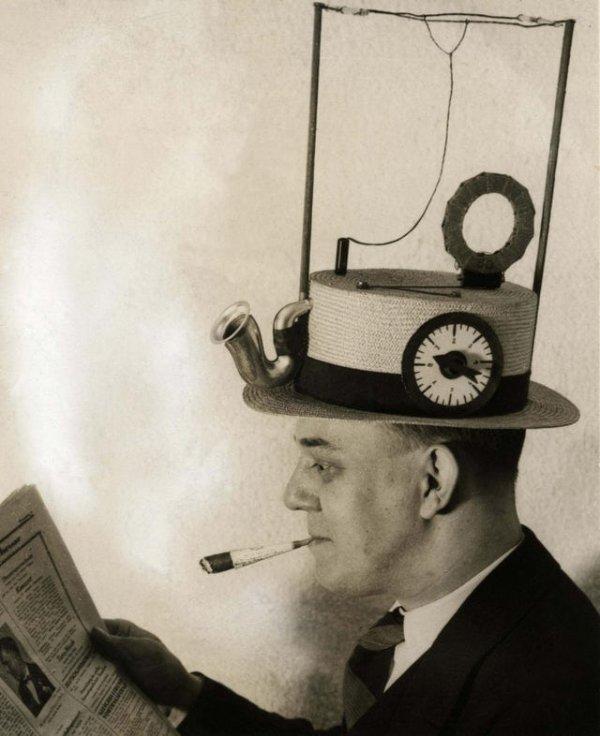 Шляпа со встроенным радиоприёмником, 1931 год
