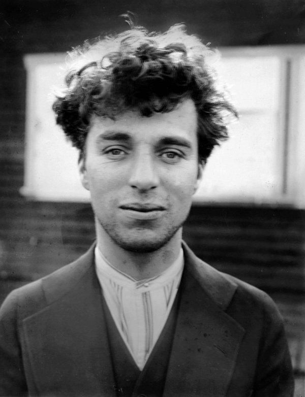 Как выглядел Чарли Чаплин без своего грима и шляпы