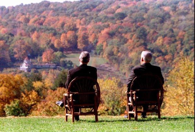 Билл Клинтон и Борис Ельцин любуются видами долины реки Гудзон. Нью-Йорк, 1995 год.