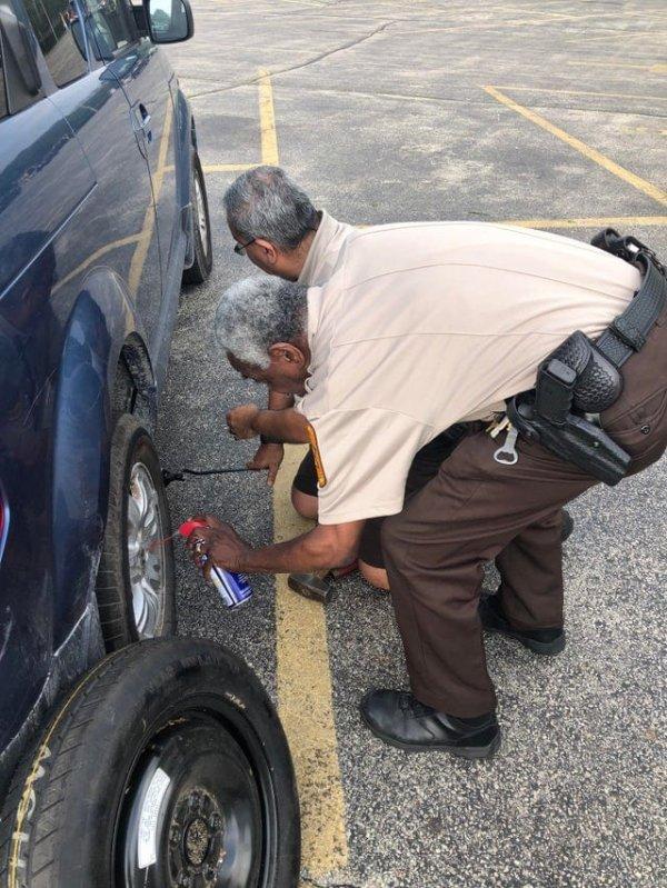 Двухголовый полицейский