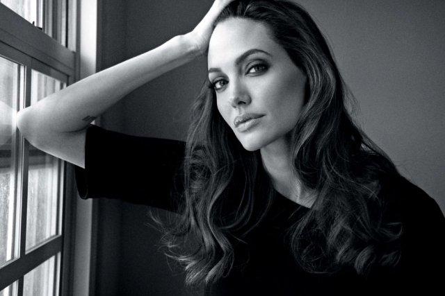 Анджелина Джоли завела инстаграм ради того, чтобы обратить внимание всего мира на Афганистан