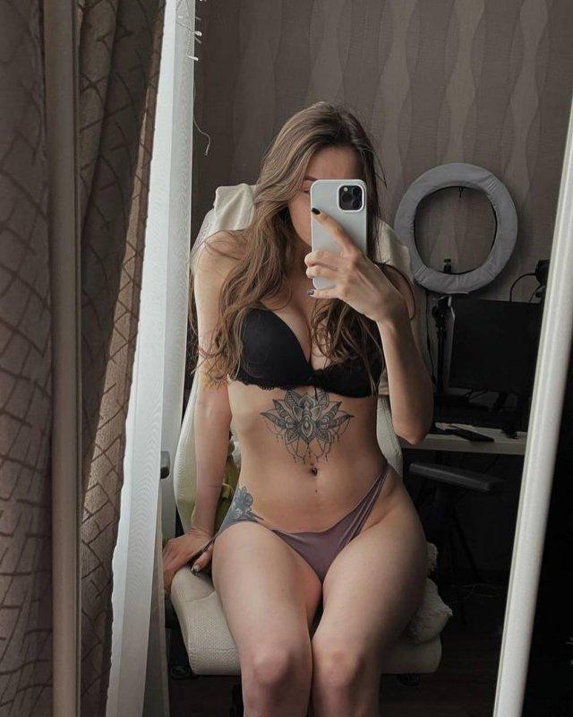 Юлия Ляшева - горячая стримерша, которая не стесняется играть на нервах мужчин