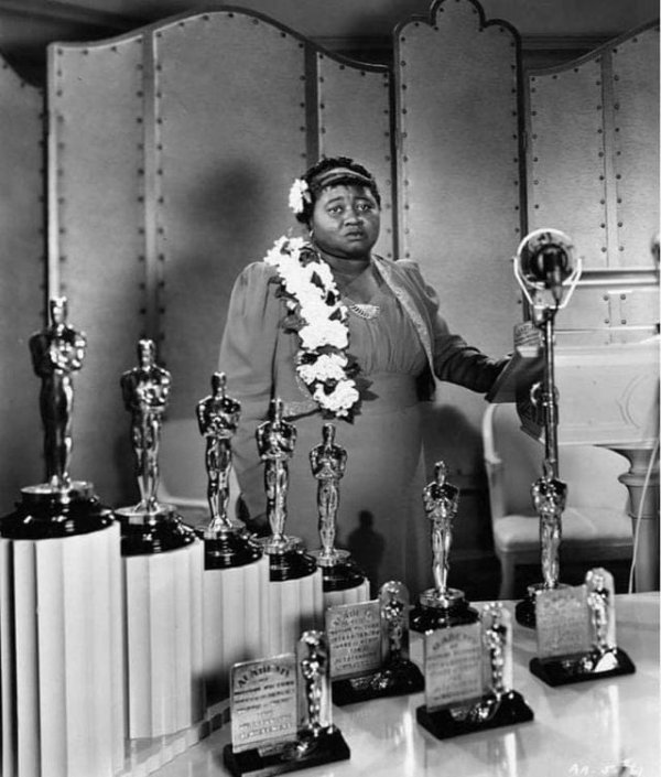 Хэтти Макдэниел — первая темнокожая актриса, получившая «Оскар», Лос-Анджелес, 1939 год