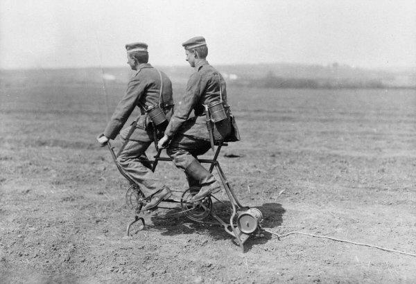 В Первую мировую войну немцы производили электричество с помощью вот таких велосипедных генераторов