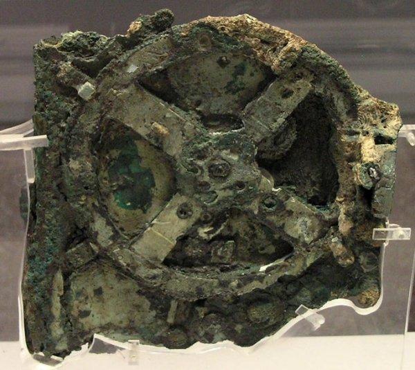 Антикитерский механизм — древнегреческий аналоговый компьютер