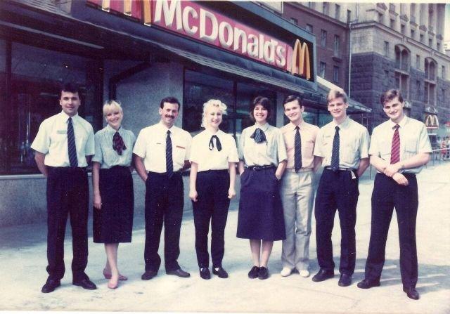 Команда первого московского Макдоналдса.1990 год.