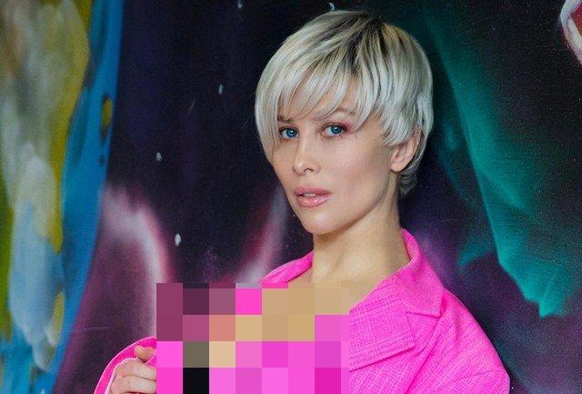 """Экс-солистка группы """"Стрелки"""" Юлия Беретта, которая высмеяла кому певицы МакSим"""