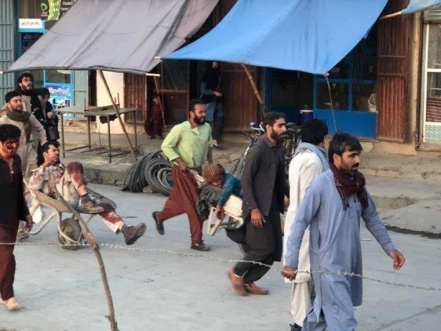 Теракты в Кабуле: взрыв у отеля, второй в аэропорту, десятки раненых и погибшие