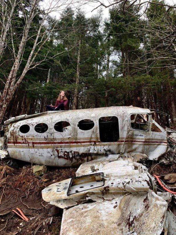 Заброшенный самолет, разбившийся в 1983 году в горах Северной Каролины