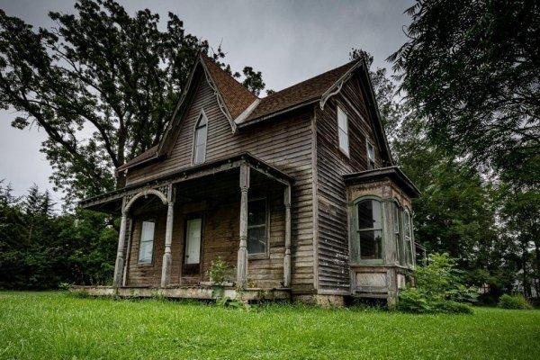 Заброшенный вековой дом, Южное Онтарио, Канада
