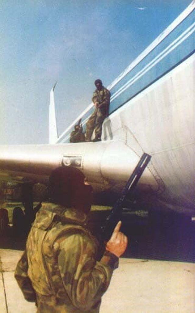Тренировка подразделения 72ой разведывательно-диверсионной бригады сербской армии, 1999 год.
