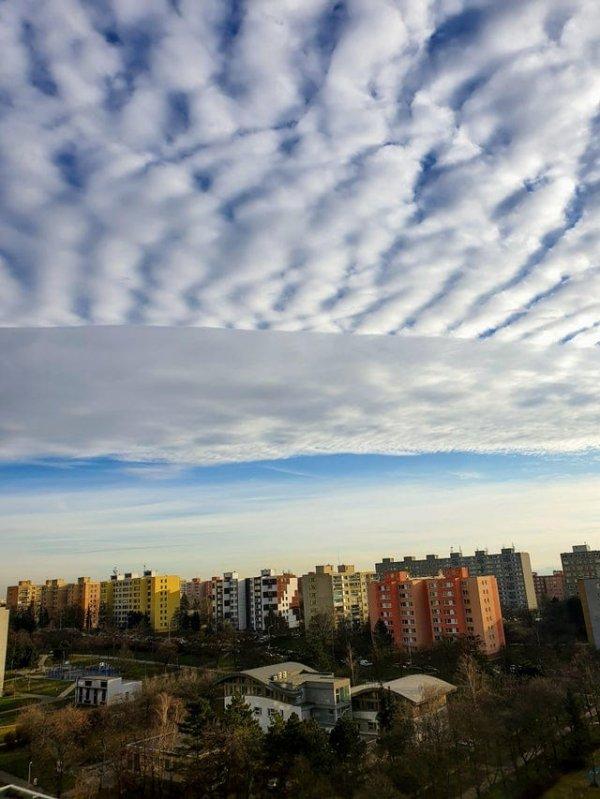 Часть облака будто бы отобразилось в низком разрешении