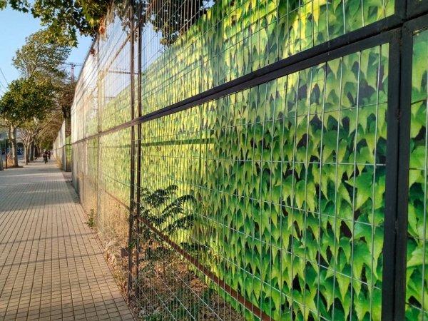 Этот забор выглядит как граница внутри видеоигрового мира