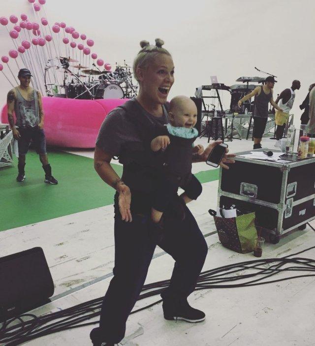 Певица Pink (Пинк) - 42-летняя бунтарка, ставшая заботливой мамой и женой