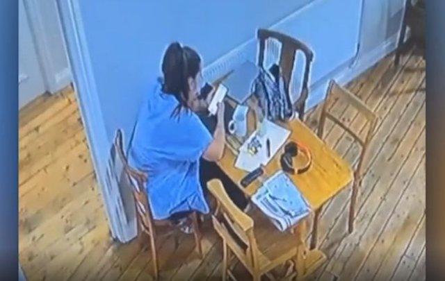 Барменшу напугал стул, который начал двигаться самостоятельно - призрак или нет?